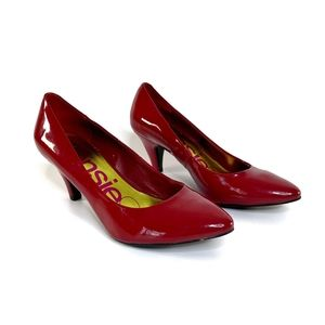 KENSIE GIRL Berry Red Patent Pumps Sz 8